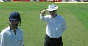 Steve Davis cricket umpire Adelaide